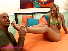 Bubble Butt be attack stepmom sleep hair blond teen gives footjob and gets cum