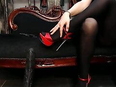 Wonderful pantyhosed feet