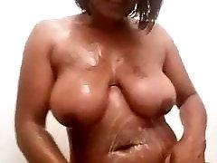 romantic virgen hindi storey cachi girl taking a shower