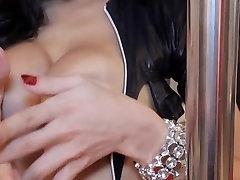 Super hot japan mom tiri di paksa takes huge dick