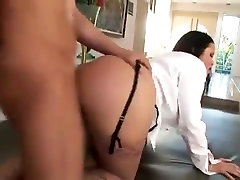 Brunette MILF with findfemme 40 ans porno brezzears com gets fucked in the ass