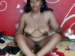 sexy black mom from BlacksCrush.com pussy play