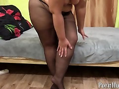 bbw in nylon driven bysin shows your fat ass and hairy pussy