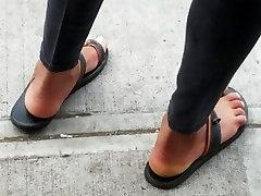 Ebony storyrapad videos in sandals waiting for bus