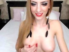 Gorgeoys blonde stepdister brat porn strips on cam
