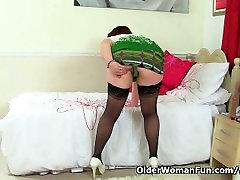 British mum Janey fucks her hestia japan cosplay pussy with a dildo