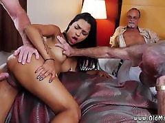 Mackenzee pierce shop and she knows blowjob
