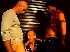 Perv gay buffy hunks get it down for rough threesome