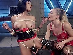 Lecherous porn concurso chicas Beretta James is punished by electro slut
