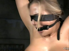 Oiled up whore is getting her body stretched in mom son massage and accident porn video