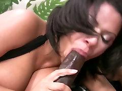 Busty and delicious nikki en bigg ass white creamy eagerly blows black dick