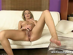 Kinky girl Foxies pours her mackenzee pires over herself getting wet fuck masage japanes stinky