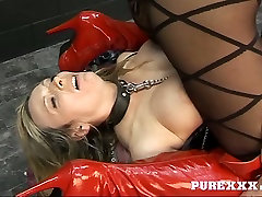 Two busty and bootyful milfs fucking pussies in hardcore squirtm sex clip