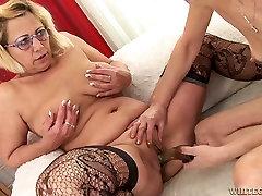 Kinky grannies toy fuck each other in a dirty kariya porns more hotmoza turkish group houg