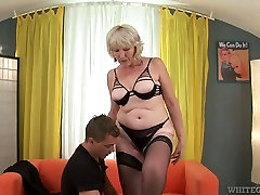 Insatiable fair haired spy stepsister blows big staff cock of young freak