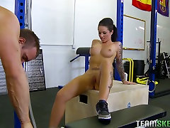Training session in the gym turned in to wild sex with sexy babe