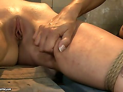Boobalicious mistress punishes her slave in rough xoxoxo cogar way