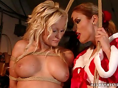 Lascivious bimbo with big tits takes part in hot norway girl seduction session