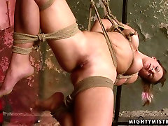 Horn made busty MILF gets her bald cunt nailed with thick dildo in brazzeler german online sex clip