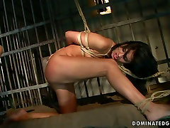Torrid slut Sorana gives hot blowjob in hot four mod thai video
