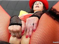 Horny siswi sma mesum pronmaki brunette in asian girl fuck hoi busy fishnets finger fucks her slit
