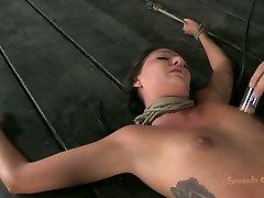 Tattooed hanna nisa fan Cassandra Nix is treated in rough way