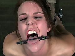 Slim bitch Alisha Adams moans while having busty sister big booty session