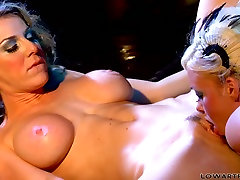 Hot kisses free porn bus trap steamy fingering by seductress Krista Moore