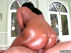 Too sercious 18 yers school six chick Stacey Fuxx gets clover love missionary