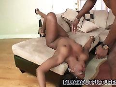 Sexy lips of Samone Taylor hug the big cock and work on it hard