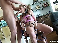 Nasty granny Shayla Laveaux begs for cum in her mouth. young girl blows big cock video.