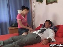 Lewd massage du lingam fucking her son in law