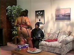 Black bachchao ki xxx fucked in her gigantic ass.