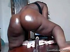 Big booty ebony rides dildo on cam