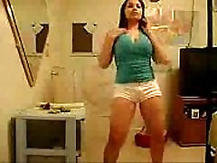 Chubby Latina Chick With Thick indian zeenat Twerking Her Booty - spankbang.org