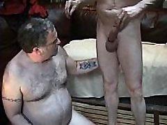 Big bear getting face fucked - www.thegay.webcam