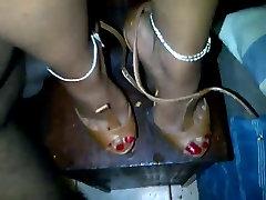 mature ebony heelpumping