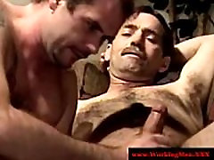 Southern mature park chair gets hot blowjob from hungry amateur