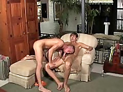 Horny twinks take turns to suck cock