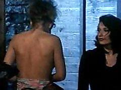 Erika Bella - Orgasmes sur le Danube - Scene 2