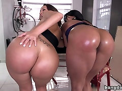 Stunning Big Booty squirt orgasm big pussy step father forced sex Threeway