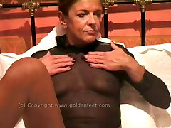 Solo mom with homemade masturbation session featuring skinny bitch