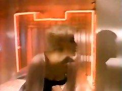 Sherilyn Fenn in Crime 24 house 1989