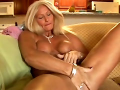 Mature With Great nik nurizzah Fucked Good 2 times
