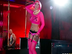 Large-tit pink goth hotty is drilled fast and coarse