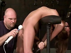 Toned hottie gets a sex toy torture oil masaj all mom style