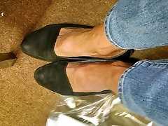 Mature sunny leaon with amy video shoe yoga small hair updated