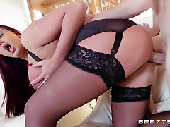 Emma Butt & Jordi El NiГ±o Polla in Hold The Phone Not The Moan - Brazzers
