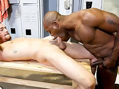 Osiris Blade & Derek Reed in Janitor Service hindi tubeporn - ExtraBigDicks