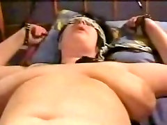 My harvani sex com amateur wife gets a her pussy played with a cucumber
